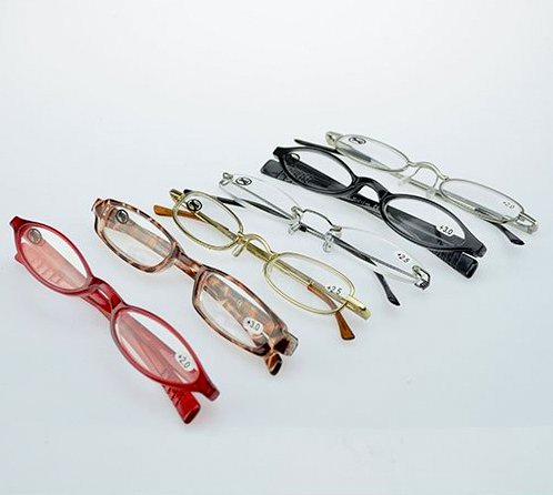 Reading glasses with case + 2.5 diopter assorted models