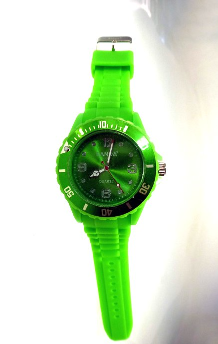 "shows sanda ""unisex green"""